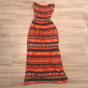 Strapless colorful dress with belt